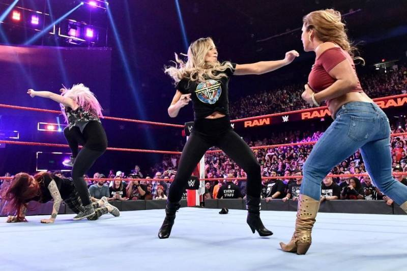 What kind of chaos will ensue when Trish Stratus and Lita return to the ring at WWE Evolution?