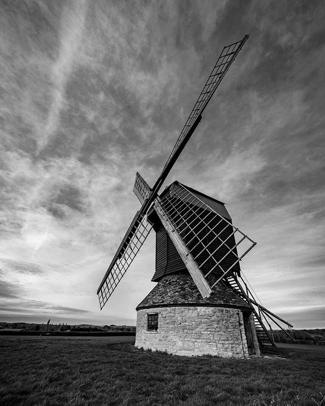 The stunning Stevington Windmill.... Built in the 18th century and the only complete windmill left in Bedfordshire.   The windmill is only a two minute drive or a ten minute walk from The Red Lion Stevington, the perfect distance for a post-walk meal or pre-walk drink, or both!  📸 Many thanks to @leeodell_photography for the use of his incredible photo.         #stevington #stevingtonwindmill #blackandwhite #boutiquehotel #beautifulhotels #beautifulbars #luxlifestyle #relaxedluxury #londonstyle #dinneranddrinks #chicdesign #deluxehotel #luxurytravel #deliciousness #restaurantdesign #foodiesofinstagram #beautifulbuildings #lovebedford #bedfordshire #bedfordindies #localrestaurant  #instafood #goodfood #localpride #supportlocal #foodielovers #countrylivingstyle #redlionstevington #bw_lover #bnw