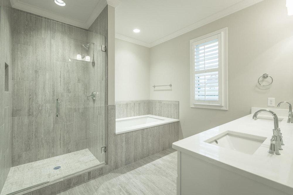 7892-eden-ct-bath.jpg