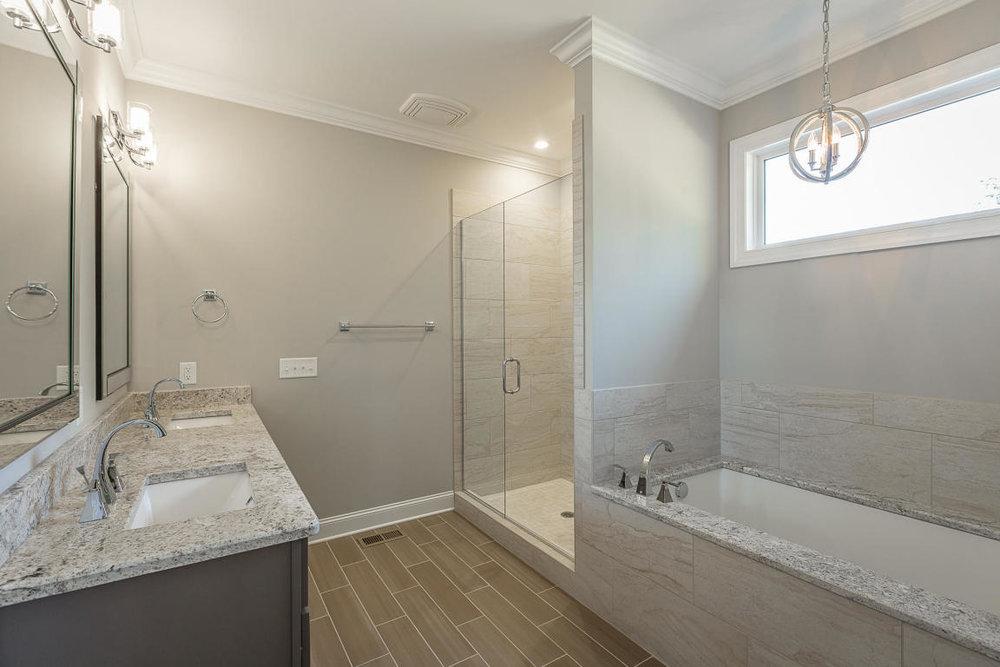 7849-eden-ct-bathroom-04.jpg