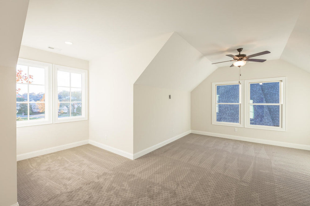 8234-rambling-rose-drive-bedroom-06.jpg