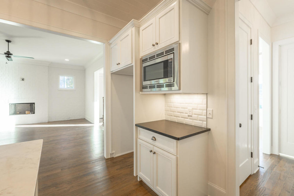 8234-rambling-rose-drive-kitchen-10.jpg