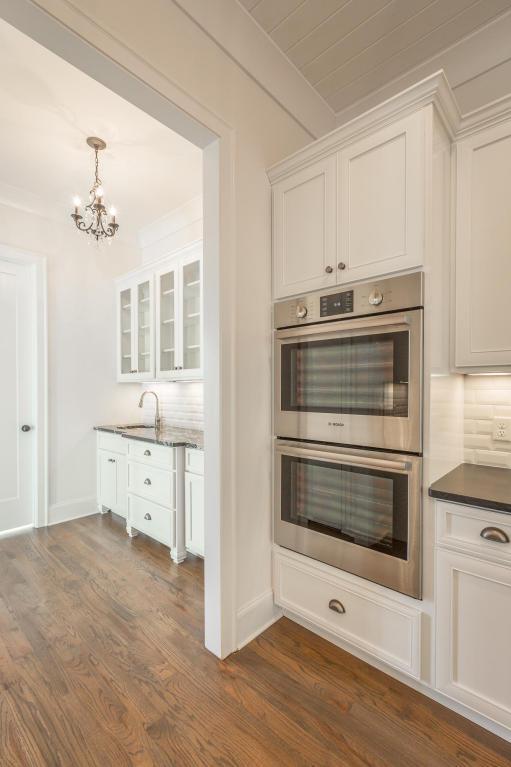 8234-rambling-rose-drive-kitchen-appliances.jpg