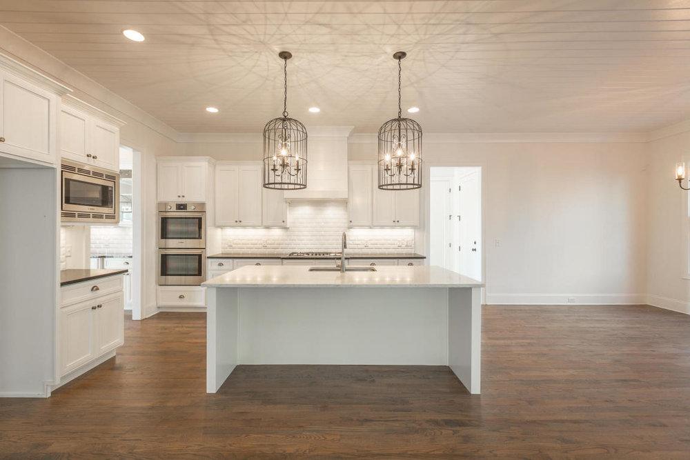 8234-rambling-rose-drive-kitchen-dining-02.jpg