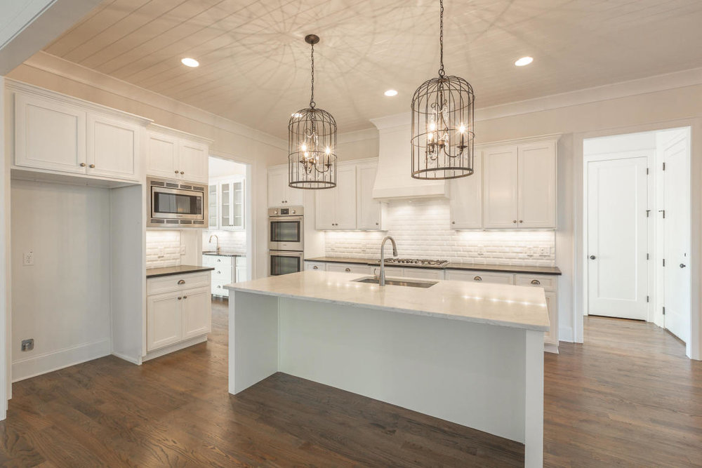 8234-rambling-rose-drive-kitchen.jpg