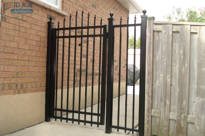 4_feet_aluminum_gate_and_finial_fencing-1.jpg