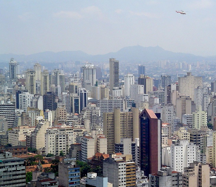 Helicopter_downtown_saopaulo.jpg