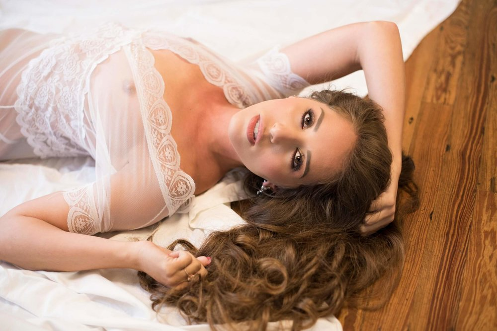 Bridal Boudoir by Graciela Valdes Photography (13).jpg