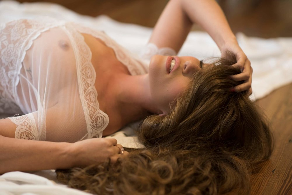 Bridal Boudoir by Graciela Valdes Photography (14).jpg