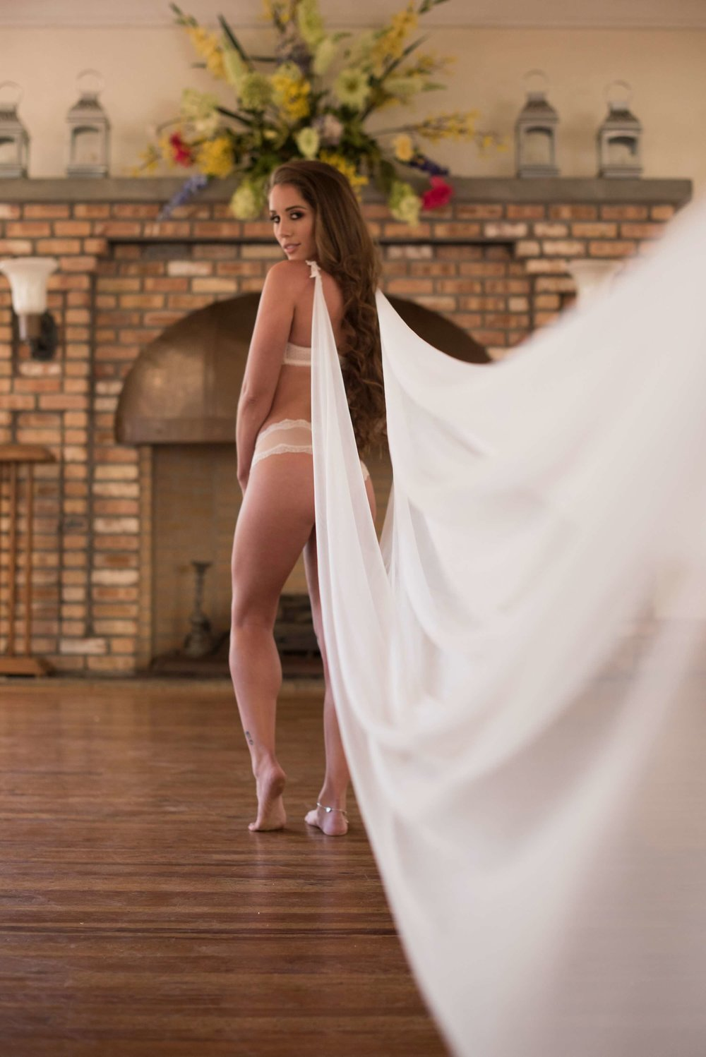 Bridal Boudoir by Graciela Valdes Photography (16).jpg