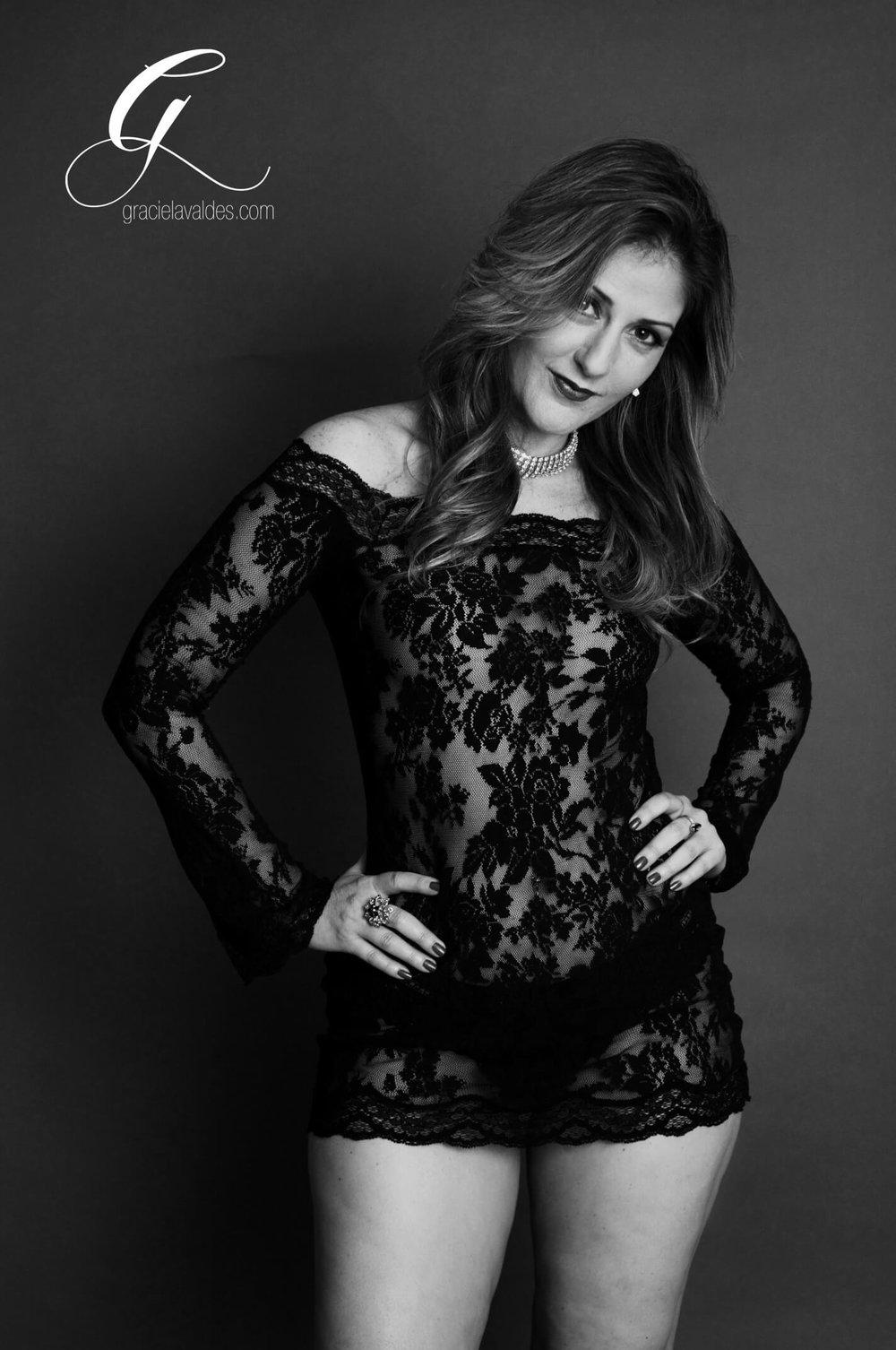 wonder woman Boudoir by Graciela Valdes7.jpg