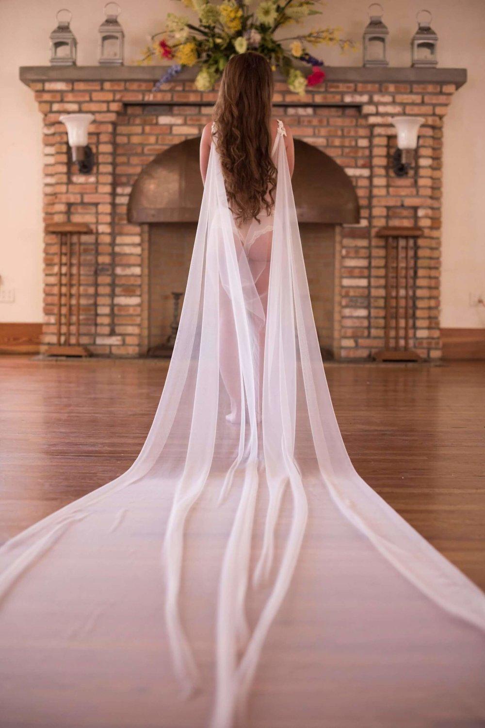 Bridal Boudoir by Graciela Valdes Photography.jpg