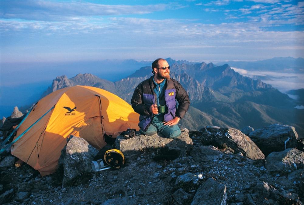 Warren Macdonald on the summit of Tasmania's Federation Peak. Photo credit: Jeremy Smith.
