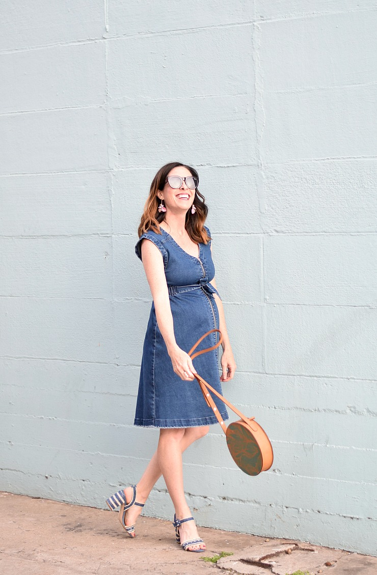 denim-dress-maternity-ingrid-isabel-on-art-in-the-find-.jpg