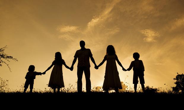 family-sunset-Article-201712061820.jpg