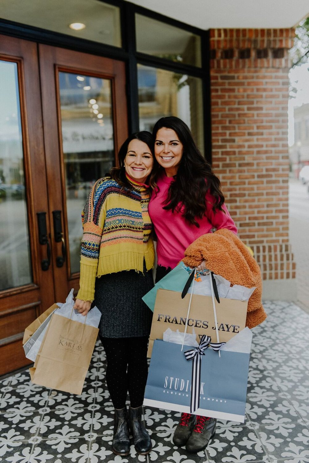 I LOVE working with Lexi to help you know more about our little town! Come on over here and shop local for all your holiday gifts this year!
