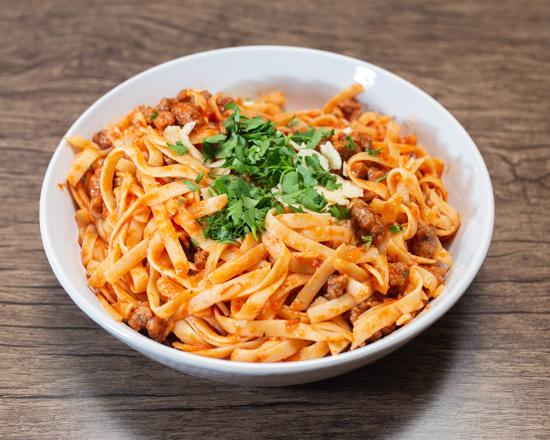AK'sCuisine_SpaghettiBolognaise_550x440.jpg