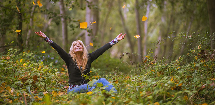 woman-leaves.jpg