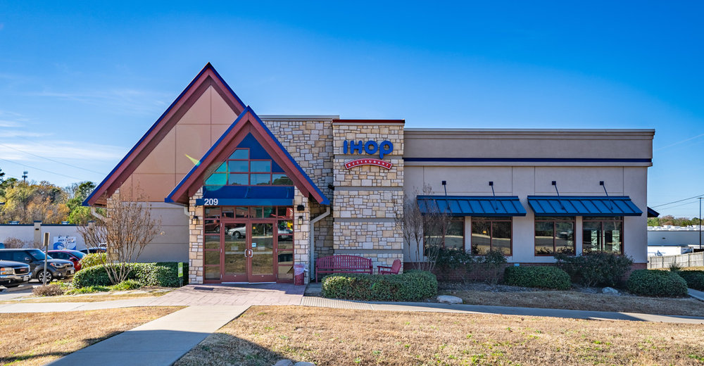 IHOP TYLER TEXAS - Property Type: NNN Leased InvestmentYear Built: 2013Property Size: ~4,464 Rentable Square FeetLocation: Tyler, TX