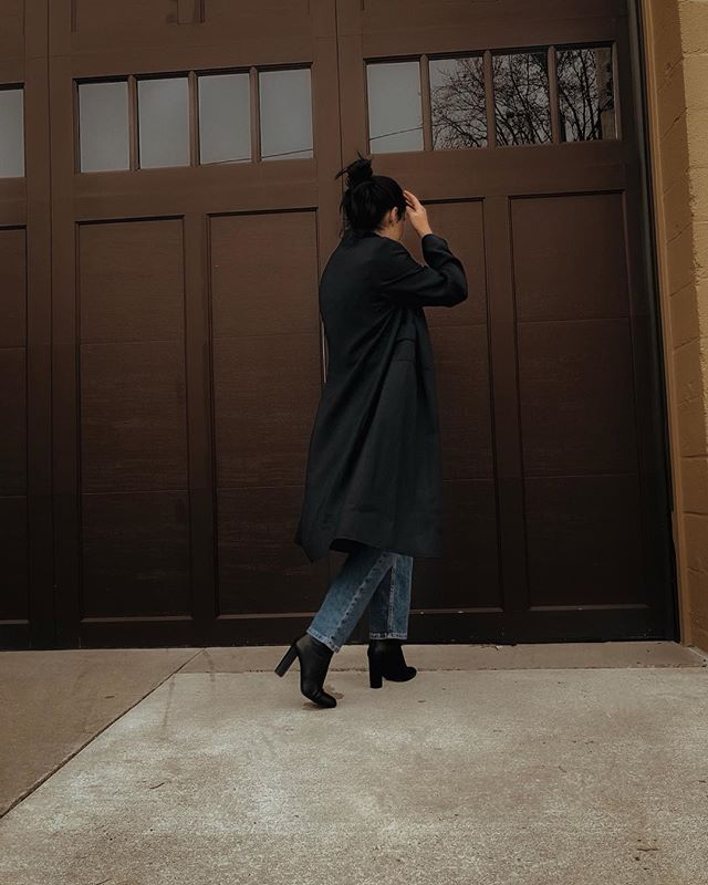 Who doesn't love a trench? I know I do! You can even carry your favorite trench into the spring season by pairing it with a flowy spring skirt. I posted a few tips on my instagram story highlights on how you can wear your favorite winter pieces into the spring! If you want this trench, shop it in our vintage shop linked in bio! (Vintage Black Spotted Trench, excellent condition, size 8, fits like a medium to large depending on desired fit, looks lovely on smaller frames)