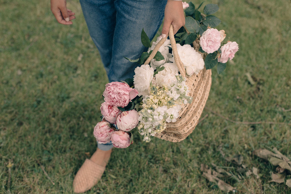 phylecia-sutherland-basket-flowers-garden-roses-peonies-home