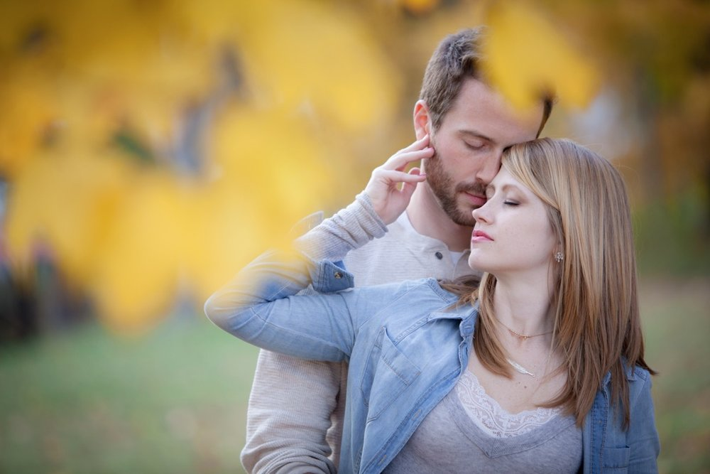 Engagement-Photographers-In-Greensburg-PA-13.jpg