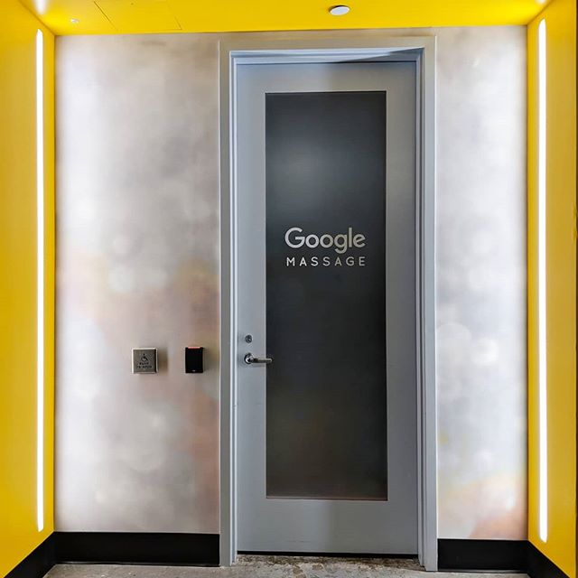 [ ADDENDUM ] #newyearresolution #moreismore #firstdayback #selfcare #🙌 #officedesign #google . . . Digging those yellow walls, too... More 🎨!