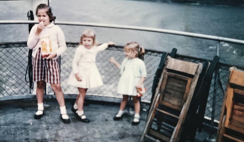 girls_on_a_boat.jpg