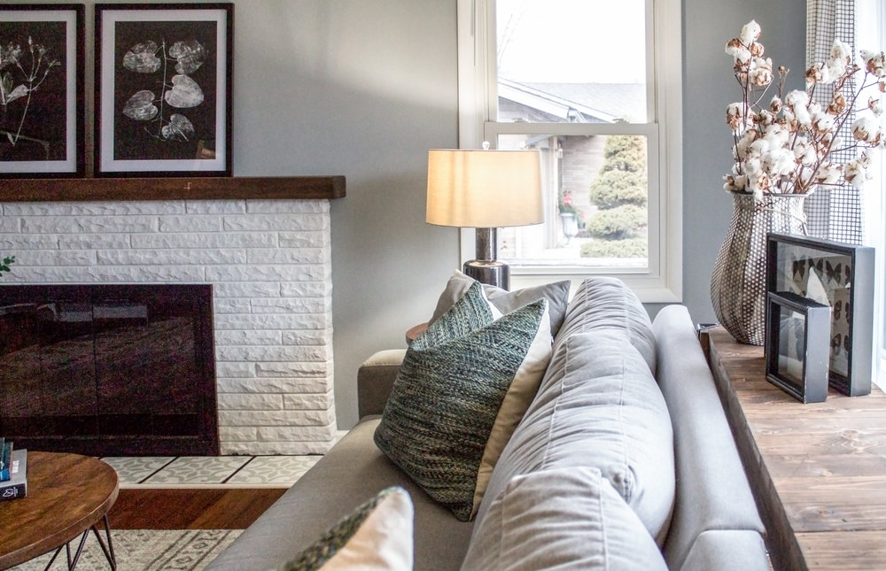 Trendy living room designed by an online interior designer, online interior designer in Grand Rapids Michigan, abbreviated design provides online interior design services in Grand Rapids Michigan,