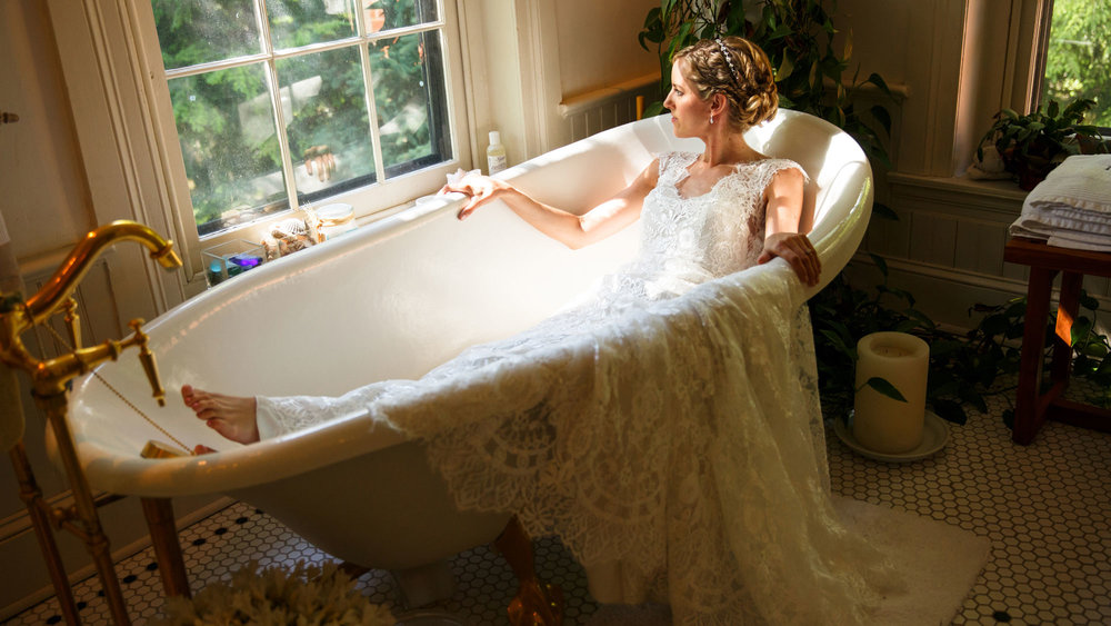 11---Elizabeth-in-tub.jpg