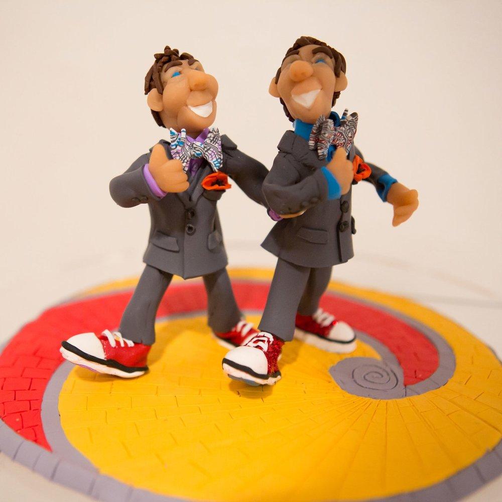 boys-on-the-cake.jpg