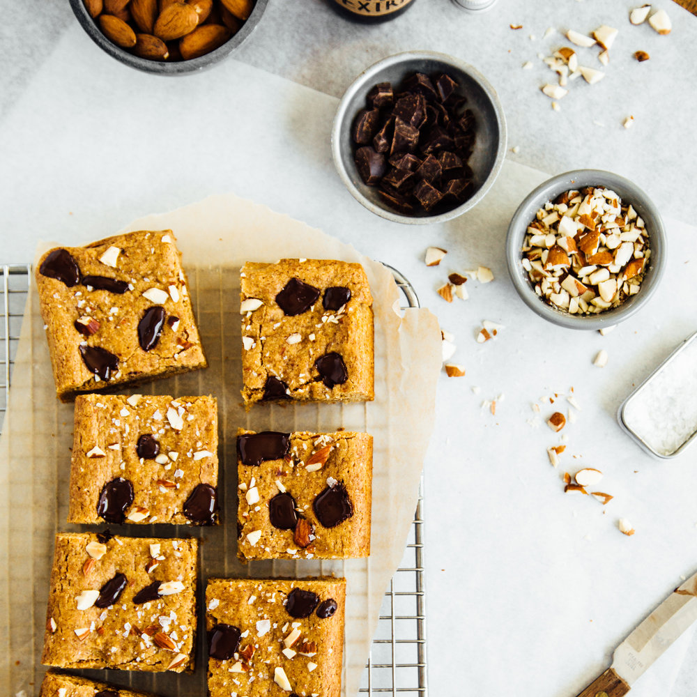 almond-butter-blondies