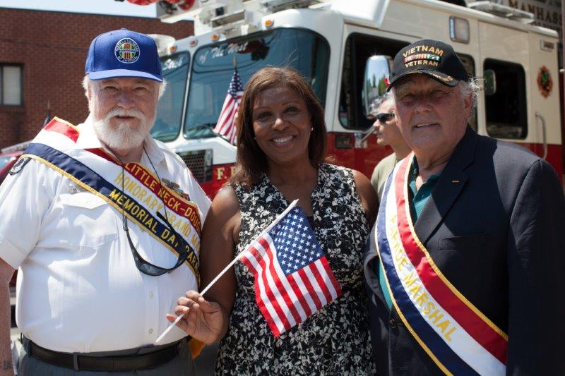 Little Neck Memorial Day Parade 2015.jpg