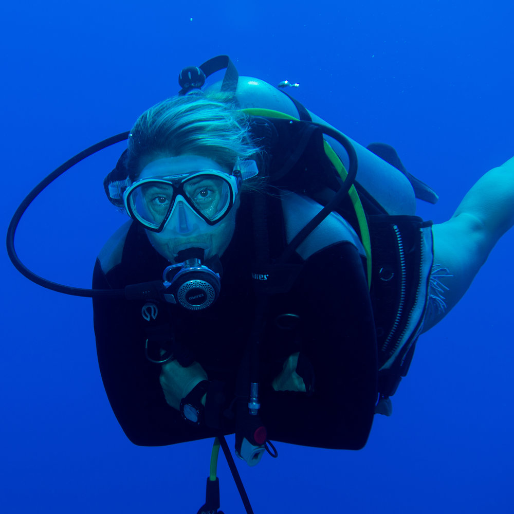 Perrine Reidy -   CMAS 3*   INSTRUCTOR and SSI INSTRUCTOR   With a her sweet southern french accent, Perrine give a bit of Mediterranean sae in this man's world, at the border of Polynesia and des abyss of the Pacifique...