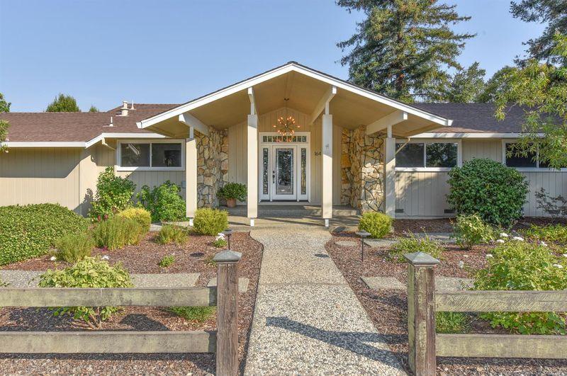 1641 Sulphur Springs Ave, St Helena - $1,150,000