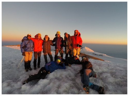 Group summit pic Mt Rainier
