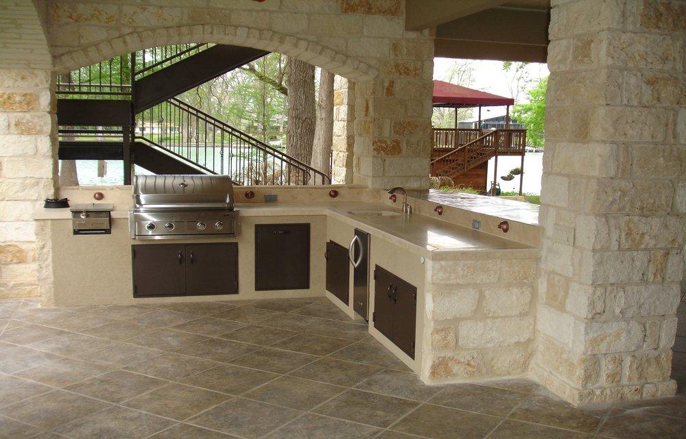 outdoor-kitchen-1537768_1920.jpg
