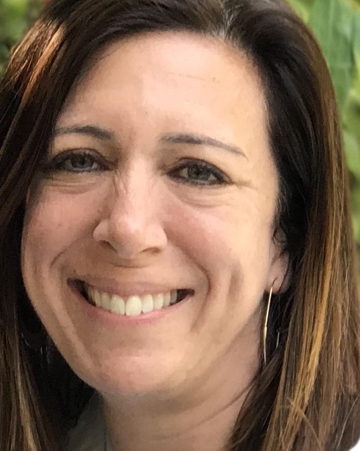 Sara Singer Schiff - Host | Journalist