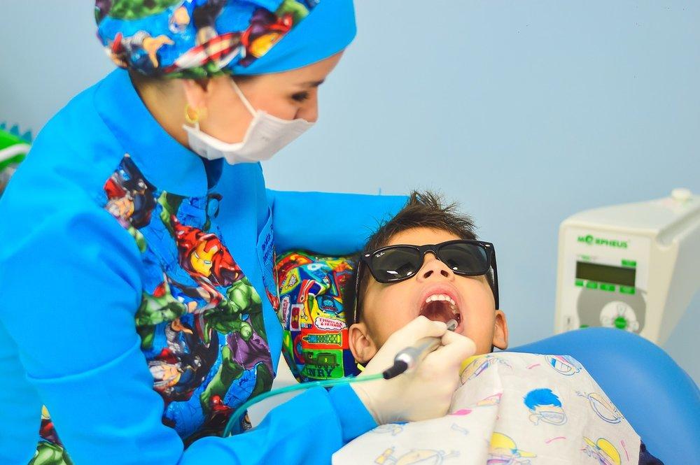 dentist-1437430_1280.jpg