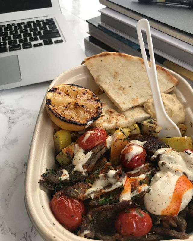 Who has tried our Mediterranean Gyro Plate?! Who wants to?! 🙋♀️🙋♀️🙋♀️