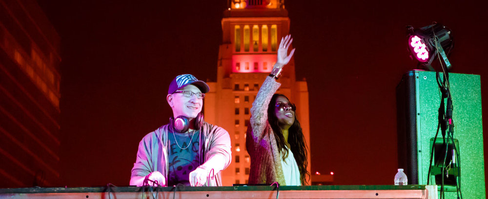Evan Landes (Groove Junkies) and Solara at the LA Town Hall 4th of July