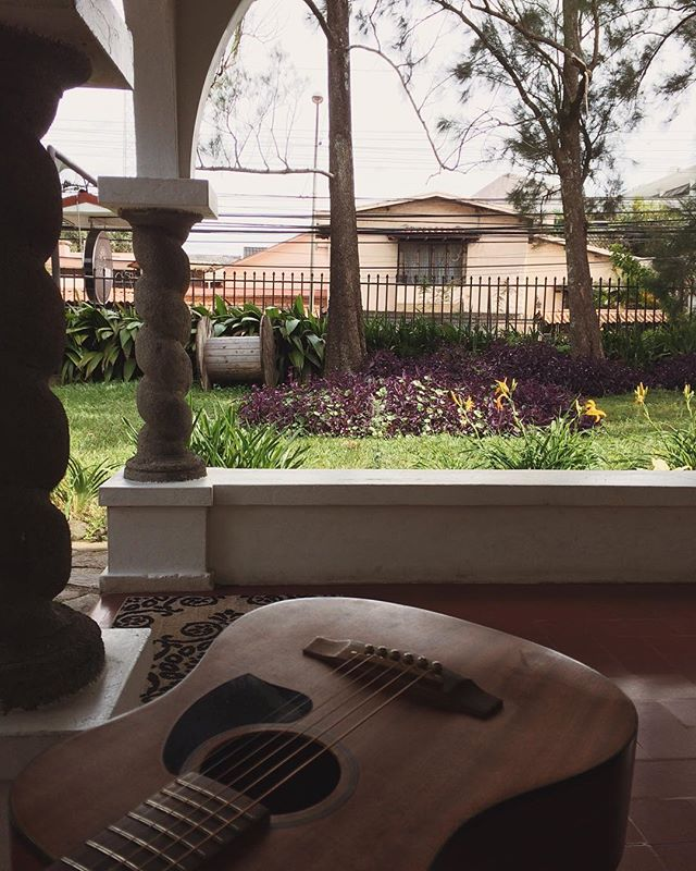 In Costa Rica for the next little while. I've got my chica and little guitar here to keep me inspired! . . . . #puravida #sanjose #costarica #guitar #songwriter #newsongs #manitobamusic #canadianmusic