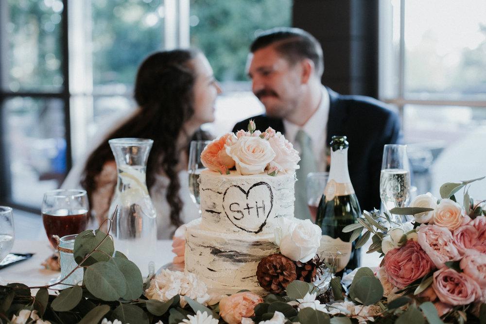 Hannah & Steve Sweetheart:Cake WEb .jpg