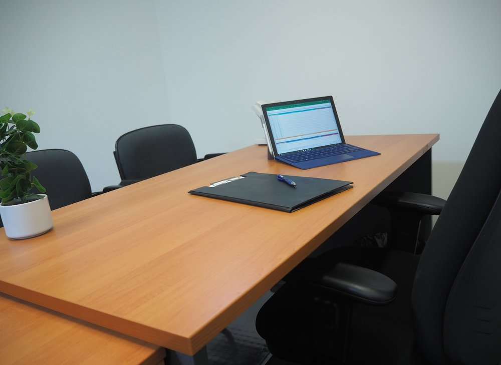 Offices - With our cost-effective furnished offices, you have 24/7 access to security and card access for entry outside of regular hours, flexible terms on Internet, photocopier, free parking and more. There is nothing that we have not considered to give you an exceptional service.