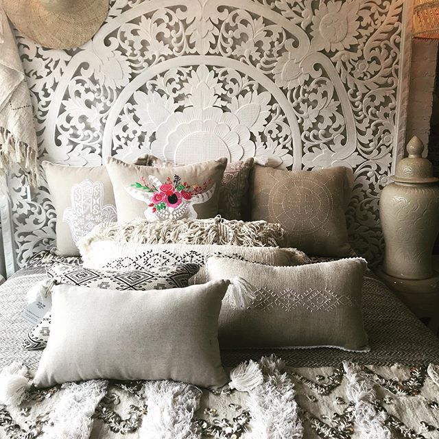 It 'Naturally' just works 🍂 . #naturalinterior #neutrals #whites #interiors #interiordesign #interiorstyle #bedroomdecor #beachlife #coastaldecor #hamptonsdesignco #finds #ontour  #bali