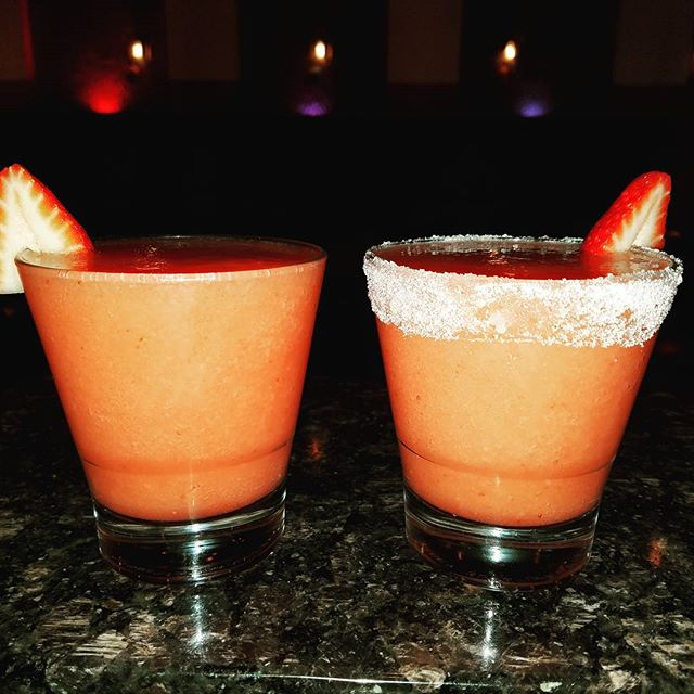Strawberry Margaritas at Casa Martin. We only use fresh ingredients because we take pride on our margaritas. Happy Hour - $4 off any Margarita! #casamartin #mexico #jaliscoesmexico #santamonicabeach #mexicanfood #foods #authenticmexican #beach #mexican #tepatitlan #happy #happhour #margarita #strawberrymargarita #restaurant #mexicanrestaurants