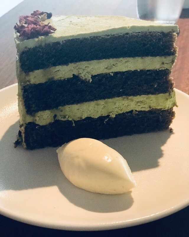 Mmmmmm ... fancy some delicious Matcha Tea cake #arthurandco_ #matchatea #delishcakes #pertheats #perthisok #caketreats #hibernianplace