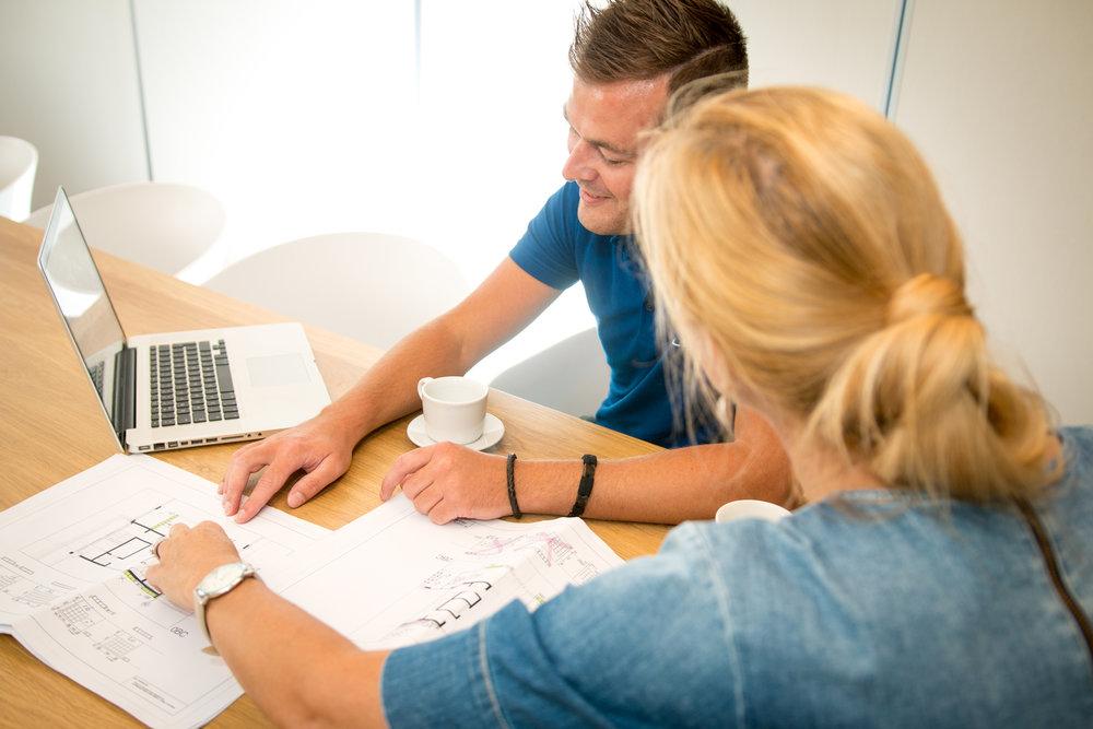 projectmanagement en montage - Door te werken met een vast aanspreekpunt en een vast team aan eigen monteurs, kunnen wij een project van initiatie tot oplevering organiseren.