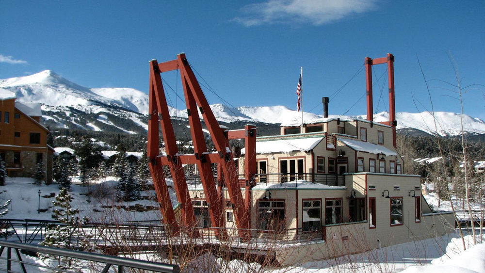 BYC@THE DREDGE - At 9,600 Ft. above sea level, surrounded by mountain views we are floating on the mighty Blue River in the heart of Breck.