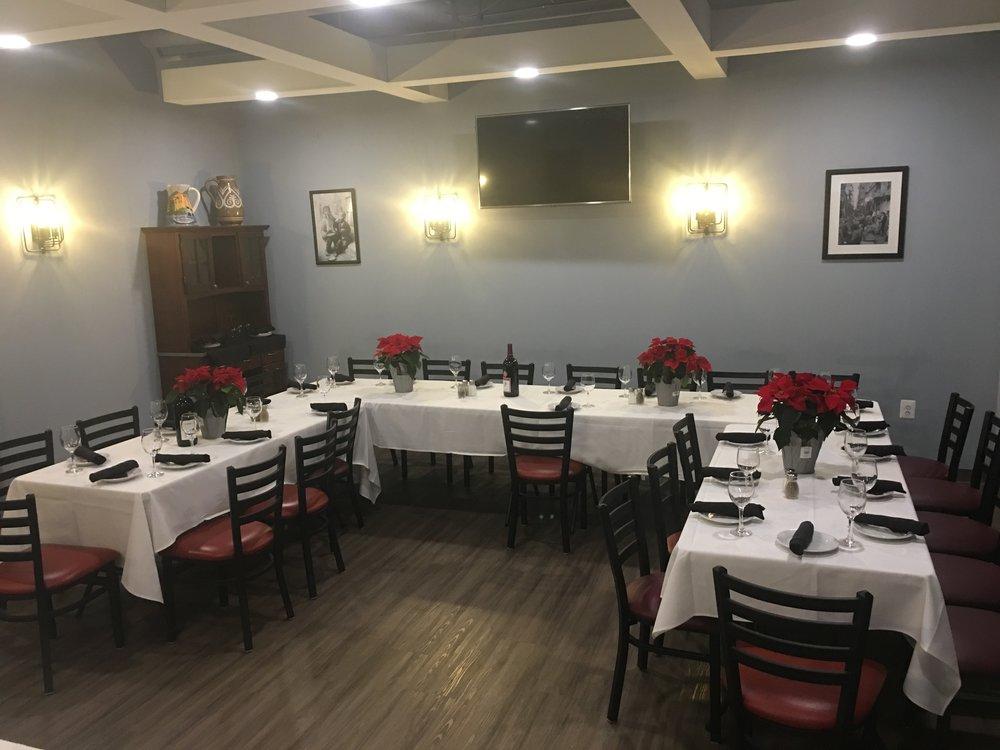 Toninos Pizza & Pasta Malvern Pa - Private Dining.JPG